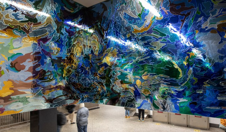 New Public Art by Jim Hodges Offers Hurried Commuters a Moment of Reflection at Grand Central