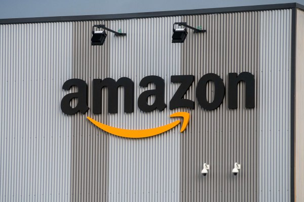 amazon expands ip accelerator to europe after us smbs register 6000 trademarks hyperedge embed image