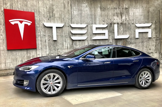 tesla driving incidents prompt more oversight of autonomous driving features hyperedge embed image