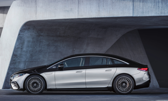 mercedes benz to build eight battery factories in push to become electric only automaker by 2030 hyperedge embed image