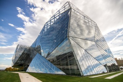 E8 Building / Coll-Barreu Arquitectos / Vitoria-Gasteiz