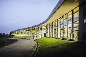 Biblioteca de Can Llaurador / Sergi Godia y Berta Barrio Arquitectos / Teià Barcelona