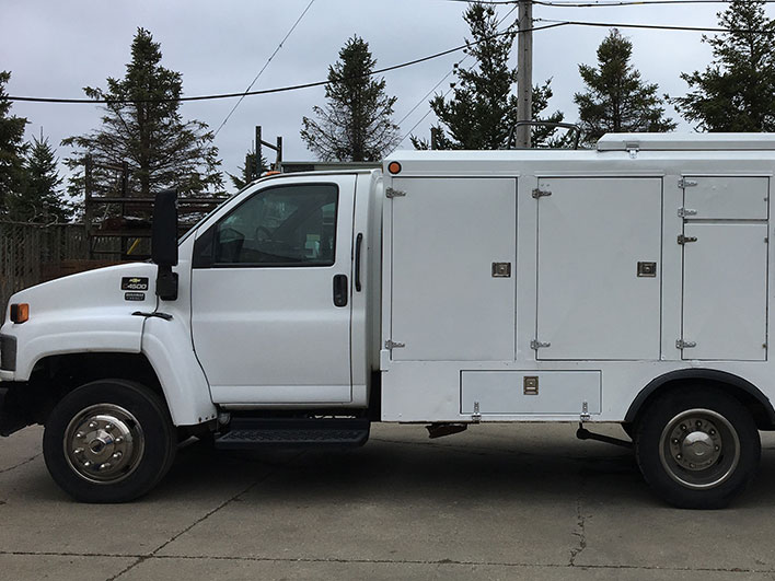 2006 chevy h1 duct truck side