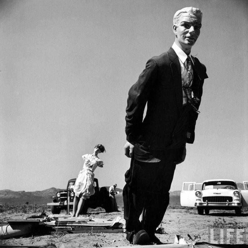 Estes são manequins de um centro de teste de bomba atômica no estado norte-americano de Nevada durante meados dos anos 50