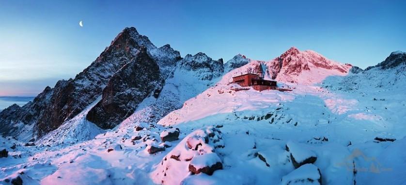 casas-solitarias-cobertas-de-neve-1