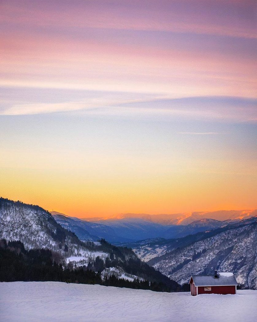 casas-solitarias-cobertas-de-neve-32