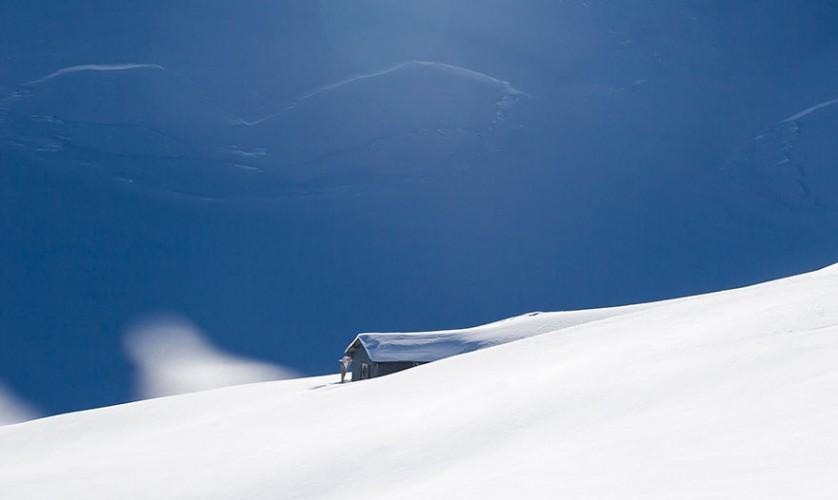 casas-solitarias-cobertas-de-neve-39