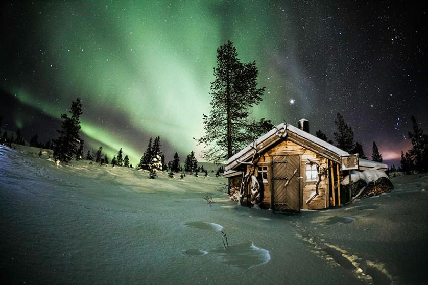 casas-solitarias-cobertas-de-neve-41