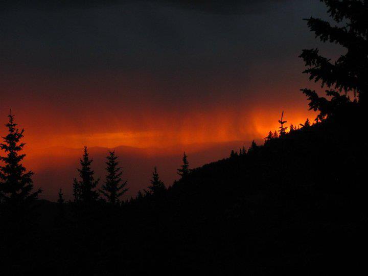 Virga no pôr do sol no Novo México. Foto Timothy Busch