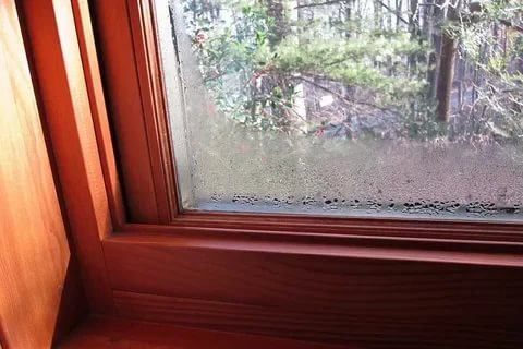 Неліктен Windows жеке үйден терлейді?