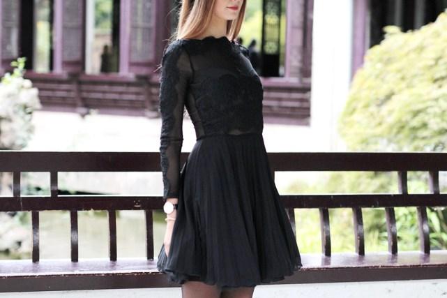 Schwarzes Kleid Outfit Blog 17