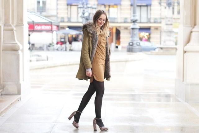 Deutscher Modeblog aus Frankfurt zeigt einen Look mit Fellparka.
