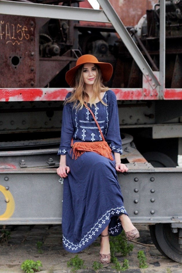 Deutscher Modeblog/ german fashion blog/ Modeblog Deutschland/ fashion blog germany mit Festival Outfit im Boho Look & Hippie Look mit Maxi Skirt & Hut.
