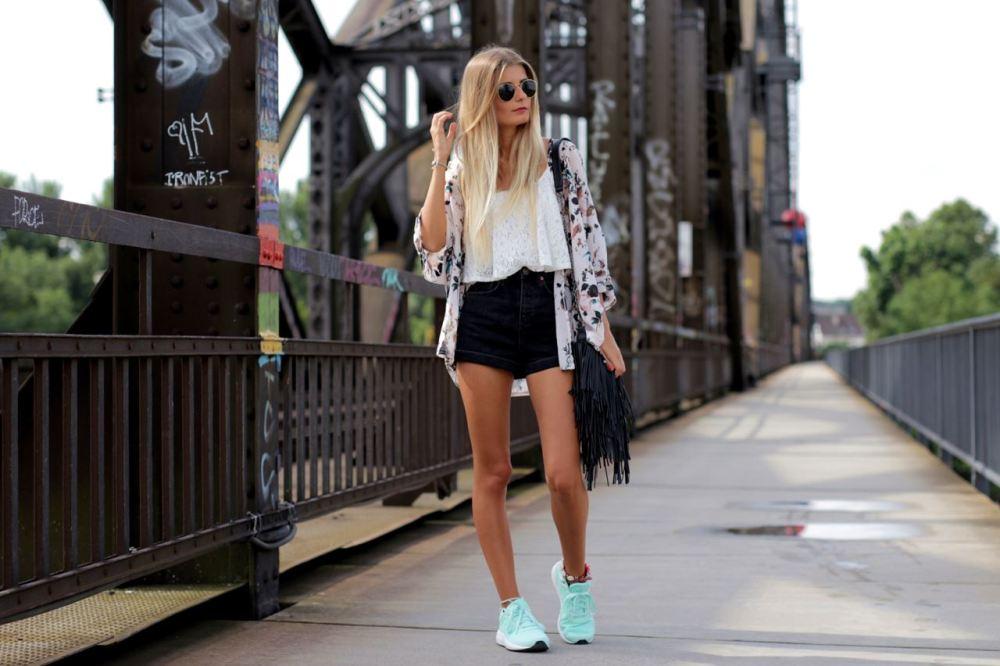 Modeblog-German-Fashion-Blog-Outfit-Kimono-Sneaker-4
