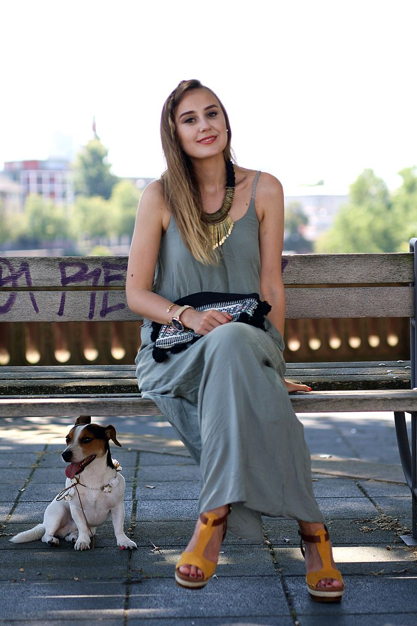 Modeblog-German-Fashion-Blog-Outfit-Maxikleid-Clutch-1