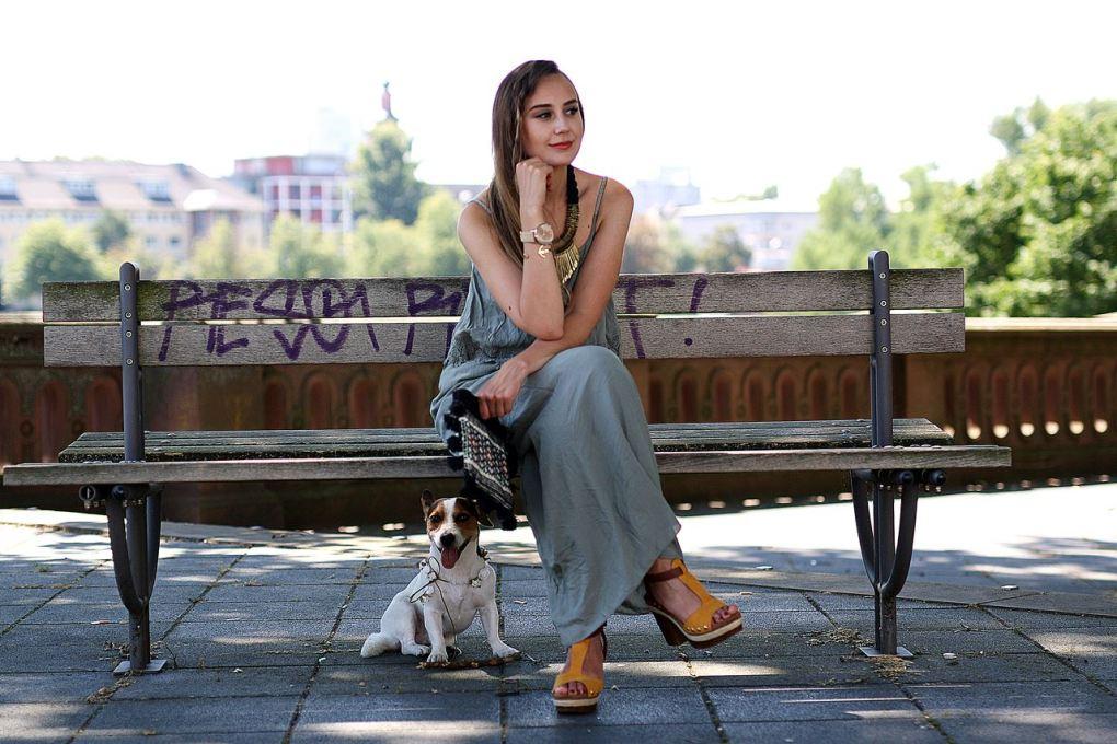 Modeblog-German-Fashion-Blog-Outfit-Maxikleid-Clutch-5