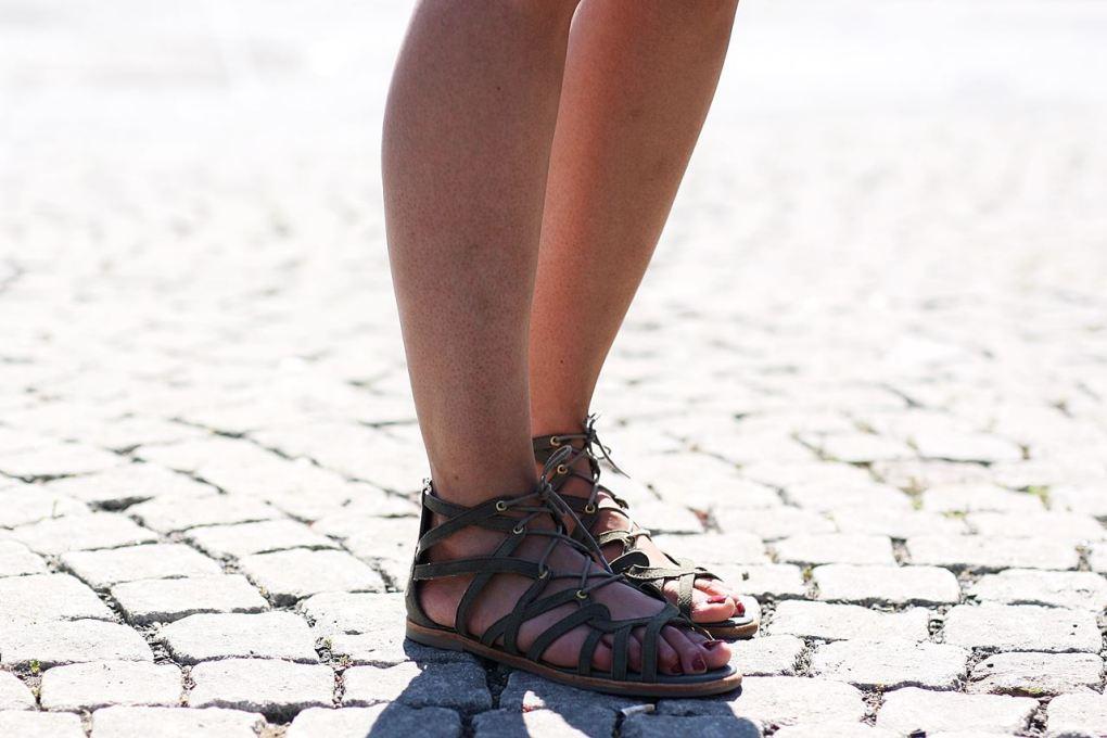 Modeblog-German-Fashion-Blog-Outfit-Sommeroutfit-Kimono-Jumpsuit-10