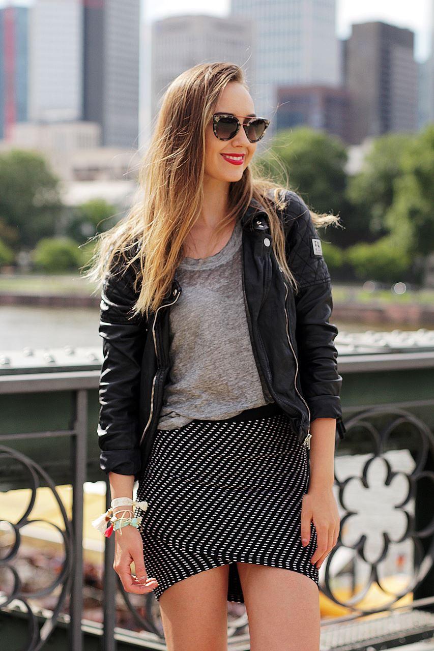 Modeblog-German-Fashion-Blog-Outfit-Lederjacke-Sneaker-11