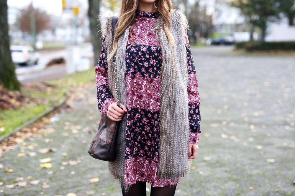 modeblog-german-fashion-blog-outfit-bluemchenkleid-fake-fur-weste-8