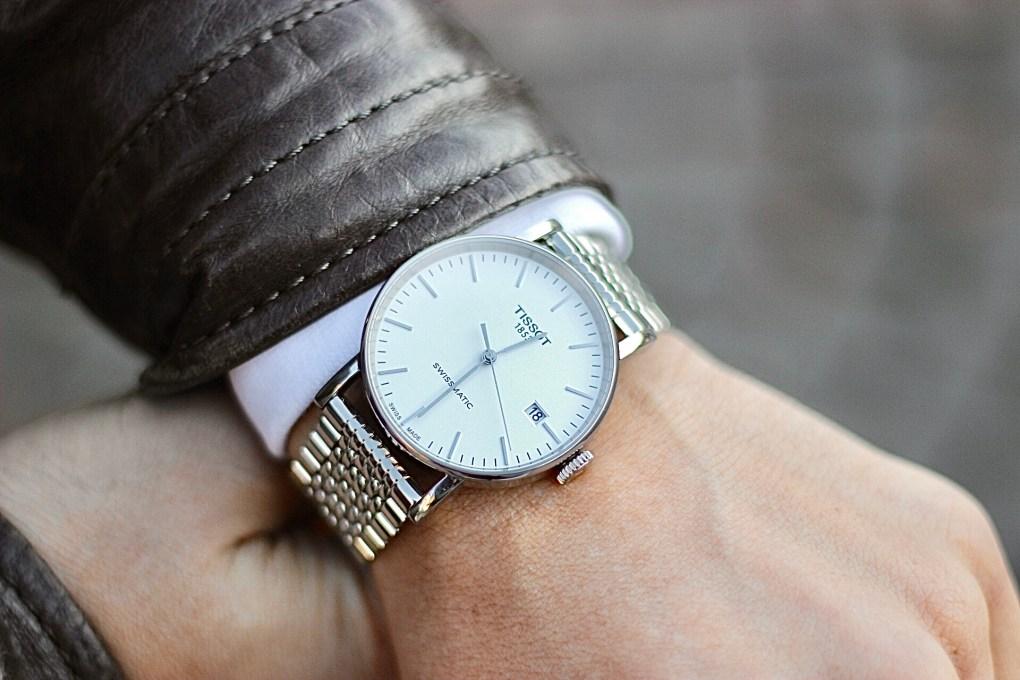 Uhrcenterde mit Tissot Everytime Swissmatic Armbanduhr Herrenuhr Outfit auf Modeblog.