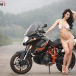 Ngắm người đẹp Angie Vũ Hà nóng bỏng bên xe máy PKL KTM