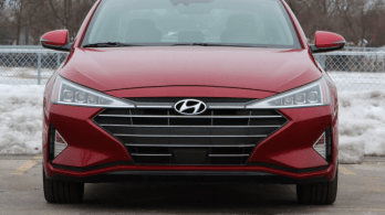 Research 2022                   HYUNDAI Elantra pictures, prices and reviews