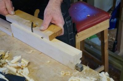 Ein semshøvel er kjekt å ha når ein skal høvle ut forma på ein falshøvel. Foto: Atle Østrem