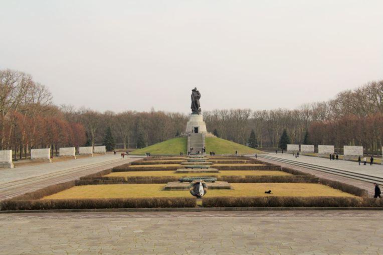 mémorial soviétique parc treptow