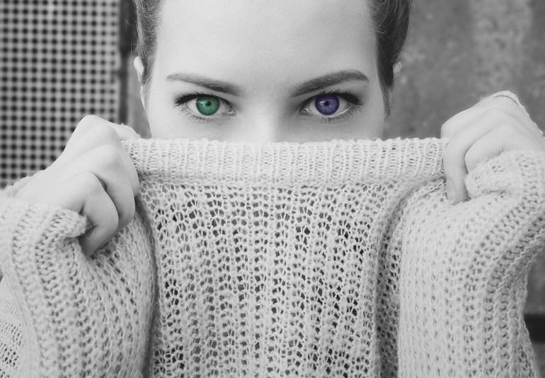 heterocromia ochi de culori diferite