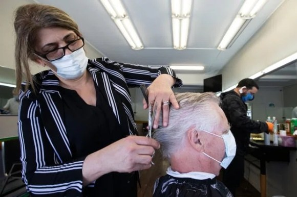 covid coronavirus kingston ontario barber mask cleaning distancing economy