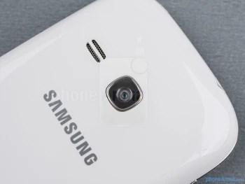 Câmera traseira - Samsung Galaxy jovem Duos Visualização