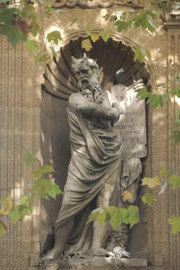 https://i2.wp.com/i-cms.linternaute.com/image_cms/750/1729145-monument-de-joseph-sec.jpg