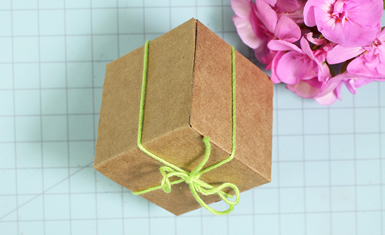Geometric Favor Box