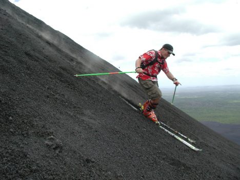 Volcano Boarding Nicaragua,Instead of using sand boards this guy challenges the volcano on skies.