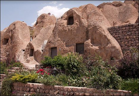 KaBelieve it or not: Kandovan got a 5-Star-Hotel!