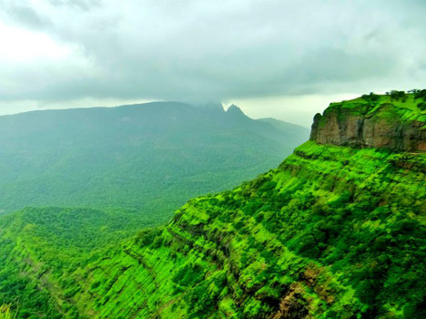 Matheran. The closest spot to Mumbai when seeking for fresh air.
