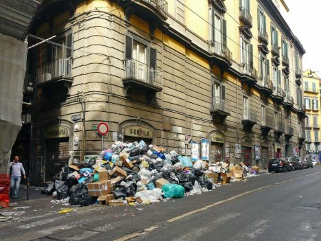 Disappointing travel destination Naples Italy Mafia. And it's getting worse.