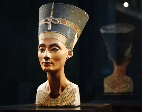 Top 10 Statues Worldwide Nefertiti