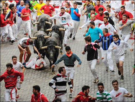 Dangerous Places Tourists running-with-the-bulls-palmona-spain