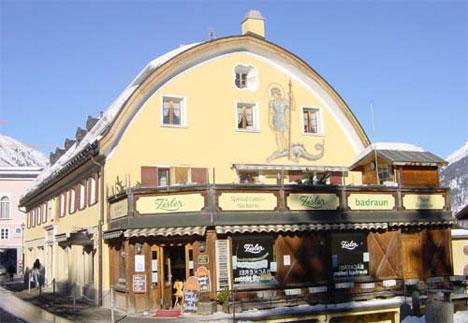 beginning winter tourism 1860 Johannes Badrutt Samedan Hotel Bernina