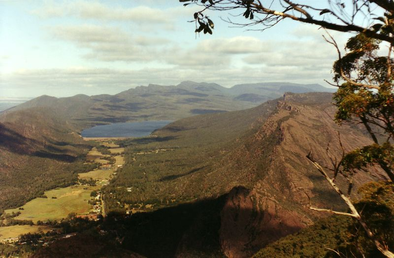 Grampians NP. View from the Zumsteins down to the Wartook Reservoir. Photo by Chili.