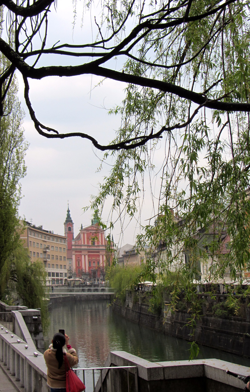 Things we did in Ljubljana - Old town, river with Franciscan Church of the Annunciation