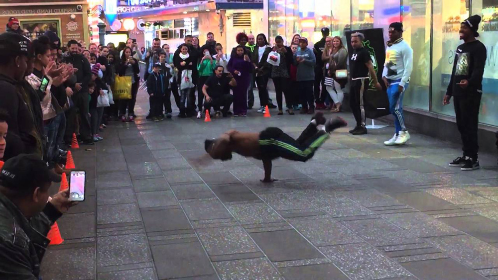New York City Tourist Scam new york street dancers scam