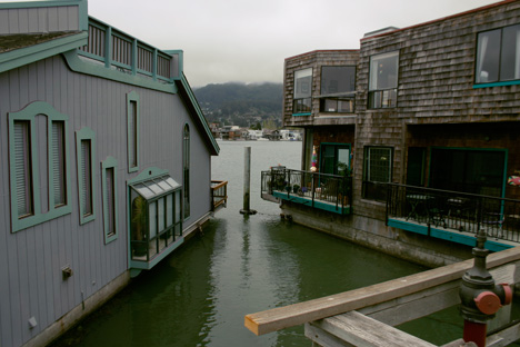 Sausolito house boats. Photo by Chili.