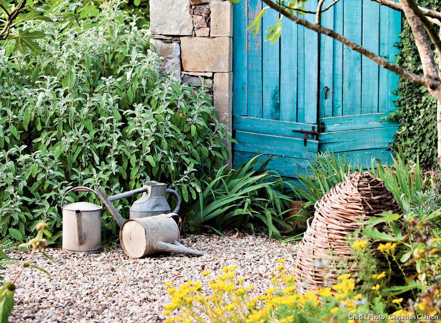 un beau jardin sans entretien