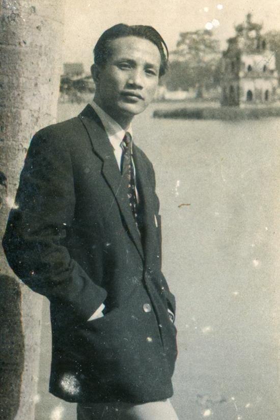 Hà Nội thập niên 1950 qua tranh bột màu