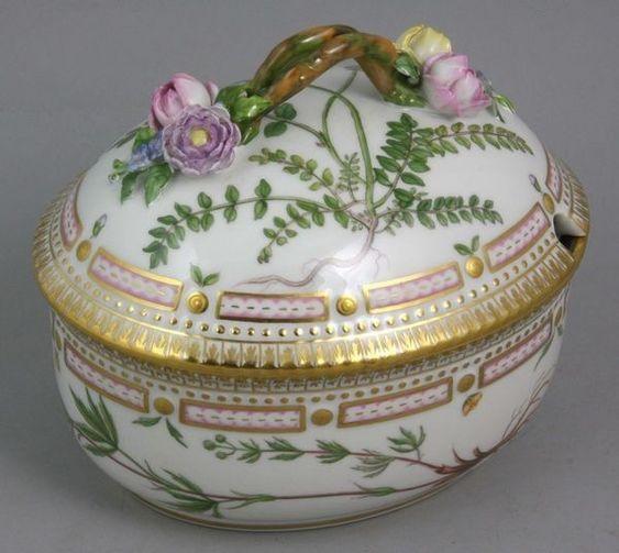 Royal Copenhagen Flora Danica Covered Dish 'Potentilla Argentea'