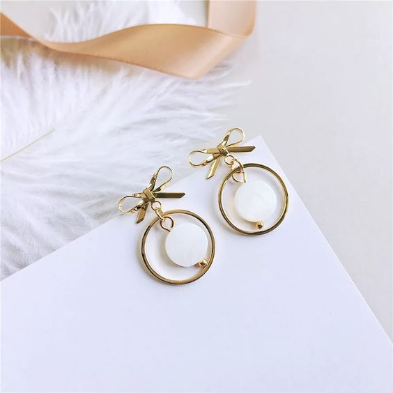 Gold-color gray shell Bow Earrings Women's Fresh Shell Ear Nail Temperament Earrings Shell Circle Pop Earrings,#Bow, #Earrings, #Women