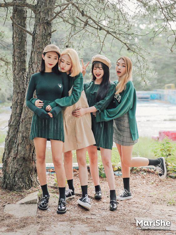 Korean Fashion: Main colour: Green Sub-colour: Black & Beige