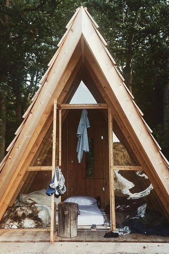 60433a38e833fadda632f3548d3297a9 - 21 Perfect Tiny Cabins For Living Outdoors